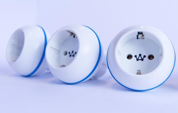 Crownstone-smart-Plug-01.jpg