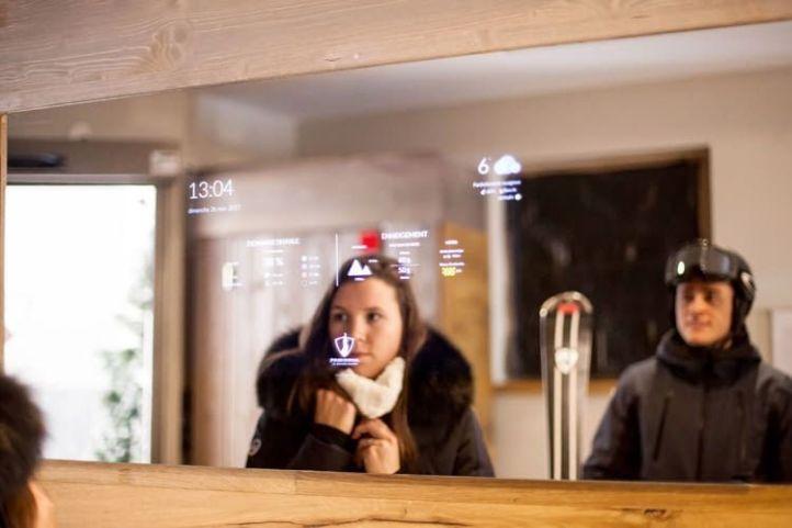 Anna-Smart-Mirror-01